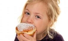 vaikas valgo