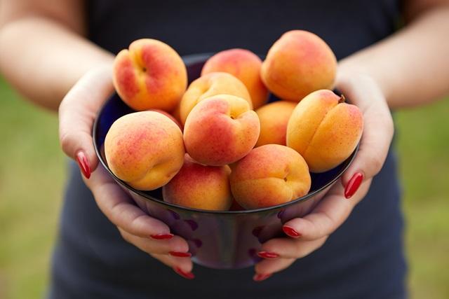 """""""abrikosai"""""""