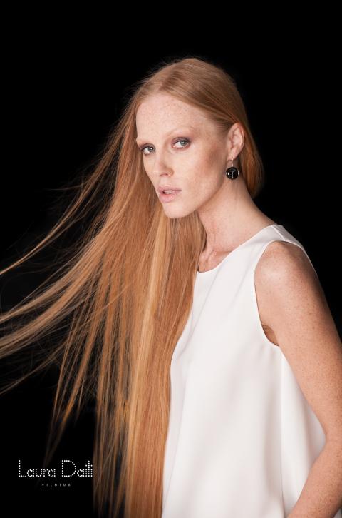 Laura Daili 'Blossom' jewelry, model Rasa Ciune, foto Dalia M Photography 6 (Small)