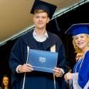 Socialinių mokslų kolegijoje  Ignui Leliui įteiktas  bakalauro diplomas!