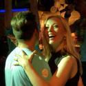 """""""2 Barai"""" dalyviai linksminosi V. Pilibaitytės-Mios gimtadienio vakarėlyje"""