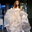 G. Mikalauskytė tapo vakaro pažiba: demonstravo D. Nevedomskytės kurtą suknelę