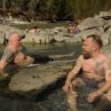 V. Radzevičiaus ir M. Starkaus pramogos Kanadoje – maudynės akmenų baseinuose
