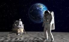 astronautas Mėnulyje