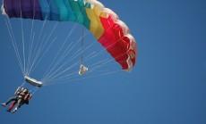 """""""šuolis su parašiutu"""""""