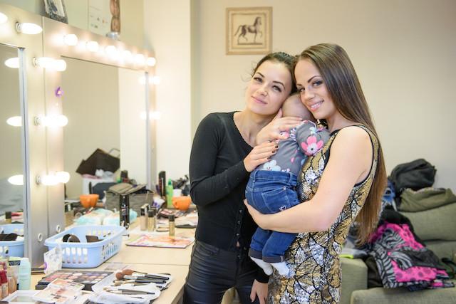 LR_TV_MG_Ineta Puzaraite s dukra ir sese
