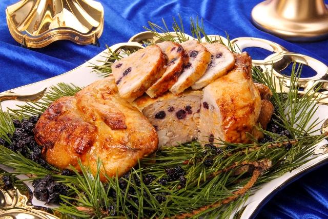 Receptas_Įdarytas viščiukas su džiovintais juodaisiais serbentais ir laimo vaisiumi