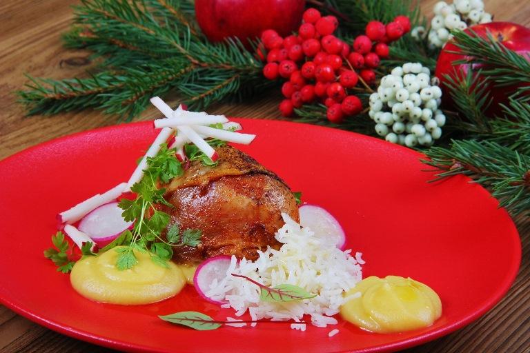Blauzdelės be sąnario su karamelizuotų obuolių muslinu ir kokosiniais ryžiais-1