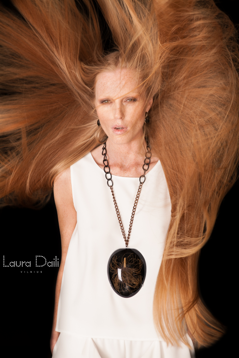 Laura Daili 'Blossom' jewelry, model Rasa Ciune, foto Dalia M Photography m2 (Small)