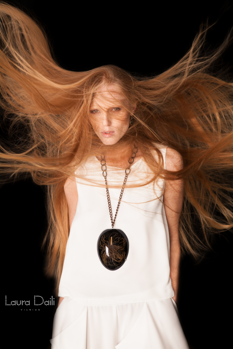 Laura Daili 'Blossom' jewelry, model Rasa Ciune, foto Dalia M Photography m5 (Small)