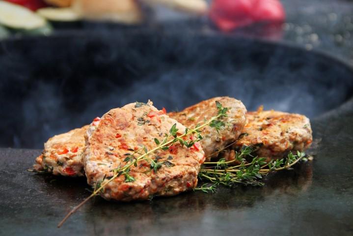 Mėsainių paplotėliai ant grilio plokštės (Small)