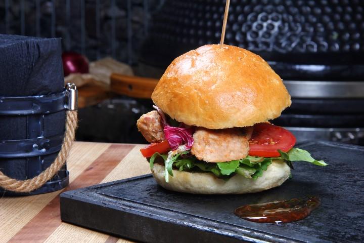 Sultingas mėsainis su vištienos mini liulia kebabais (Small)