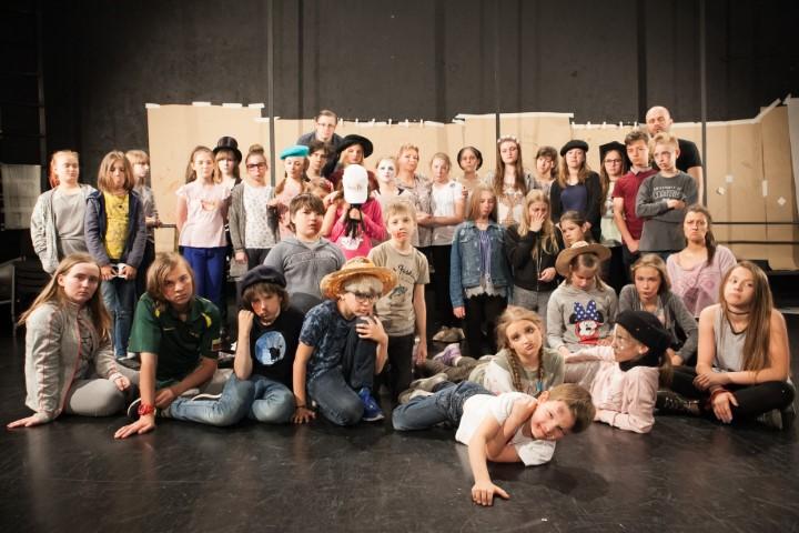 301_Keistuoliu_Teatro_Stovykla-2017_IMG_5242foto_KKurienius (Small)
