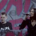 """""""Dapa Deep"""" kartu su vokaliste """"Monee"""" gerbėjams dovanos gyvą pasirodymą"""