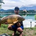 Prisiekusio žvejo, LNK laidų vedėjo Domininko Ramono rekordas – 22 kg veidrodinis karpis iš Bledo ežero
