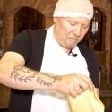 Aleksandras Ivanauskas-Fara išmoko kepti skaniausius kibinus