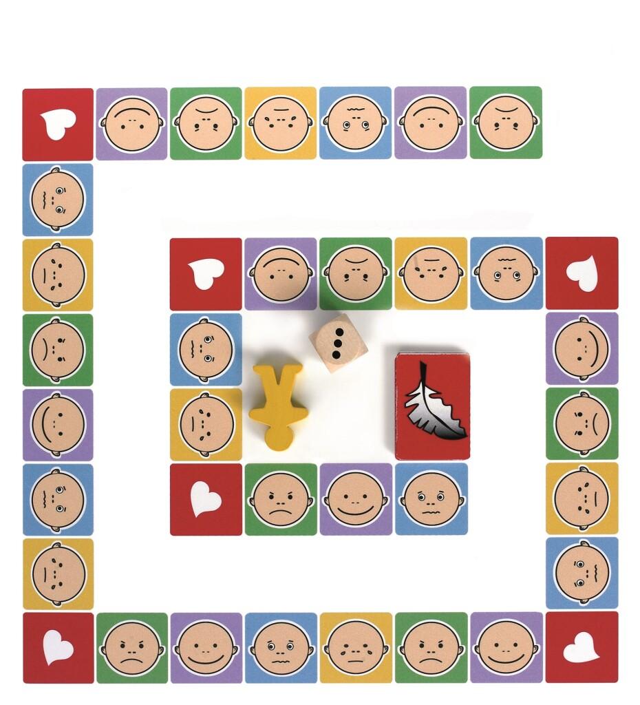 emciju domino