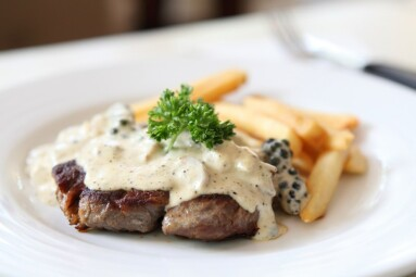 Beef steak with white sauce