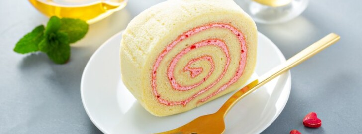 Cake roll with pink filling